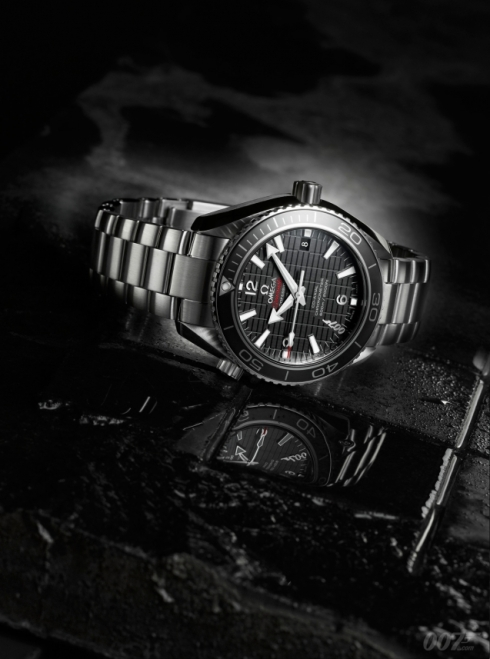 """Celebrating the new James Bond film:the Seamaster Planet Ocean 600M""""SKYFALL"""" Limited Edition"""