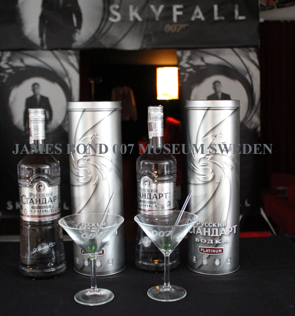 Dry martini skyfall russian standard vodka platinum james for Cocktail 007 bond