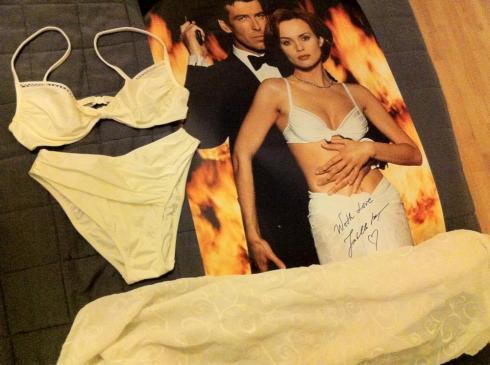 Izabella Scorupcos bikini Goldeneye in James Bond 007 Museum Sweden