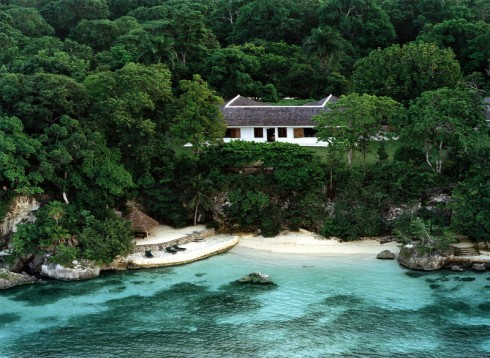 Ian Fleming's home where he wrote all 14 Bond novels. Goldeneye