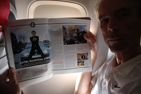 On the way in aircraft with Norwegian Air, Mr. Bond ... James Bond Gunnar Schäfer sitting in the airplane and read Norwegian magazine about myself from Malaga to Copenhagen