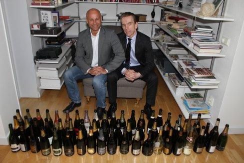 """James Bond, was invited to the world's largest champagne expert Richard Juhlin den 17 februari höll Richard en av sina champagnemiddagar hemma på Lidingö. Sveriges Mr Bond, Gunnar Schäfer hjälpte Richard prova champagner till hans nya bok """"8000 Champagner"""" och avnjuta 60 olika champagner helt privat"""