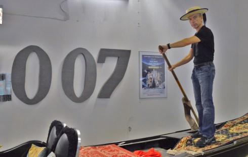 James Bond Gunnar Schäfer in Venice  Gondola. To Sweden Nybro James Bond 007 Museum