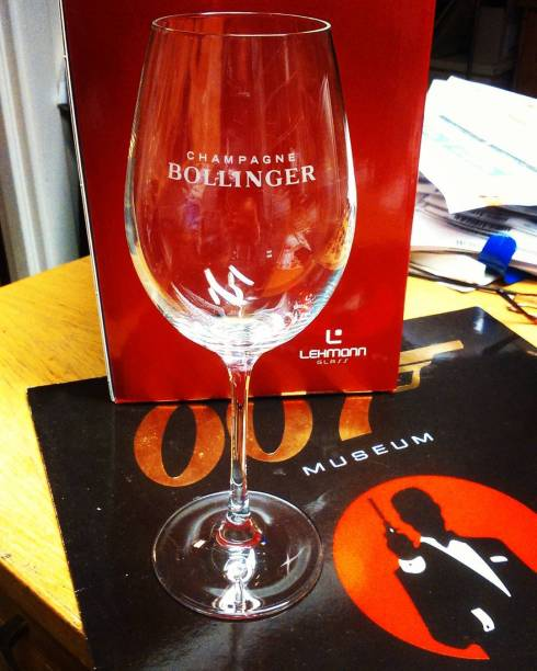 News!  Champagne Bollinger etched laser glasses with 5 diffrent bubble columns #007museum